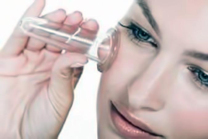 Как убрать возрастные изменения на лице с помощью баночного массажа