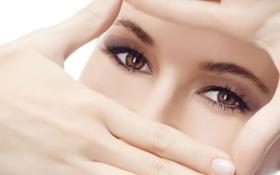 Как избавиться от дефектов зоны вокруг глаз