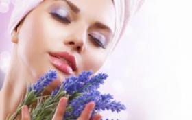 Красивая, чистая и упругая кожа лица с маслом лаванды