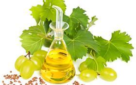 Масло виноградной косточки - это неизменный борец против сухости и старения кожи